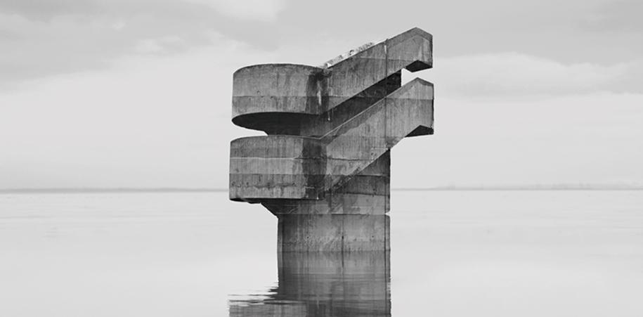 """""""Observatoires"""" de Noemie Goudal, un hallazgo maravilloso dentro de nuestros itinerarios oníricos."""